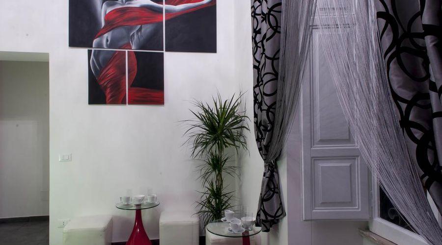 ديجافو روم-9 من 40 الصور