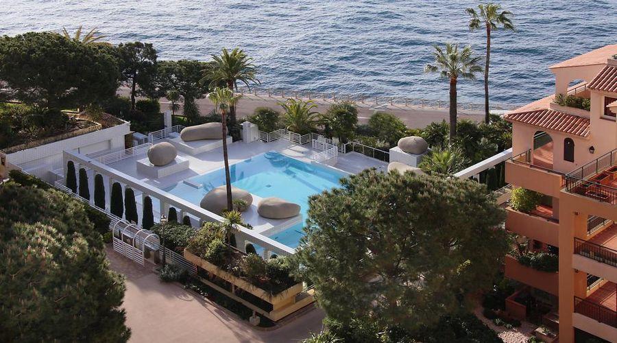 Columbus Monte-Carlo-5 of 36 photos
