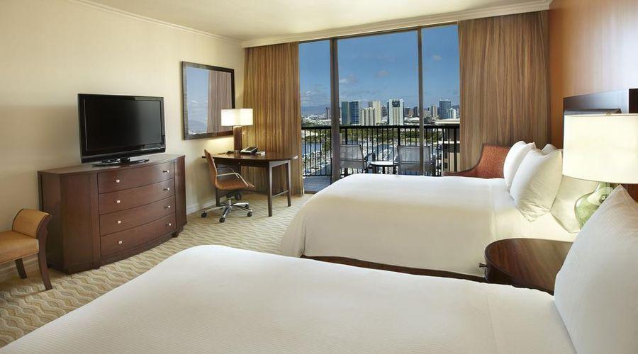 Hilton Hawaiian Village Waikiki Beach Resort-6 of 44 photos