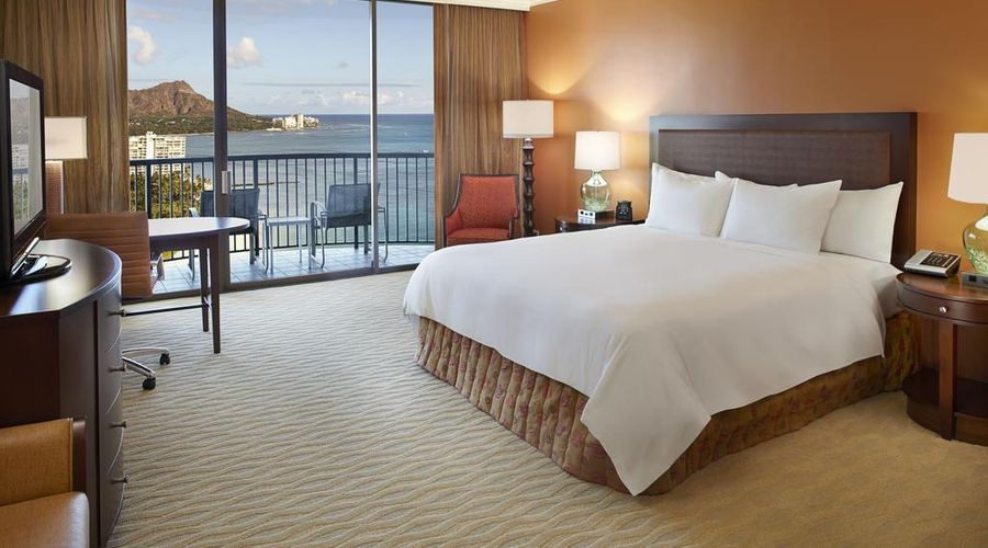 Hilton Hawaiian Village Waikiki Beach Resort-7 of 44 photos