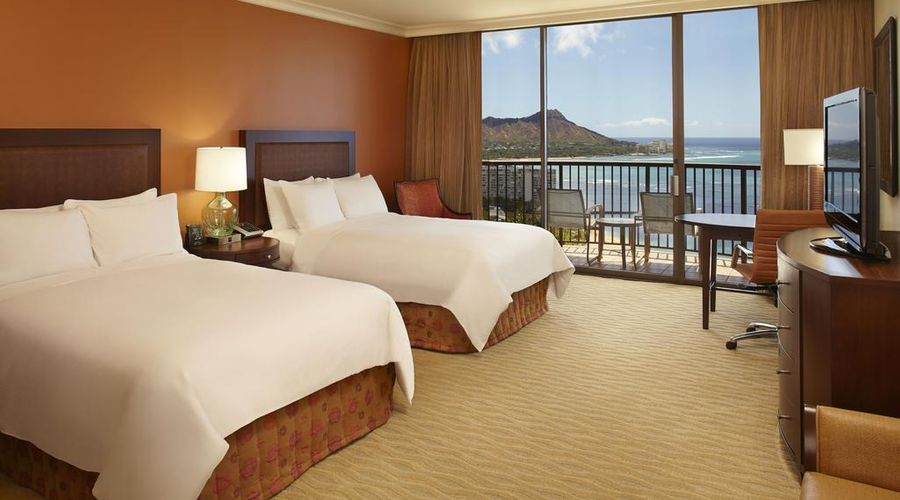Hilton Hawaiian Village Waikiki Beach Resort-8 of 44 photos