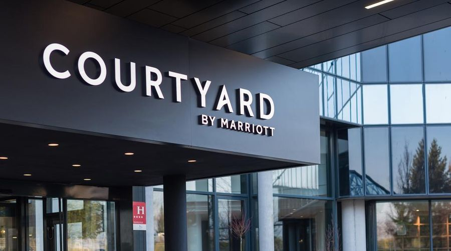 Courtyard by Marriott Paris Roissy Charles de Gaulle Airport-2 of 43 photos