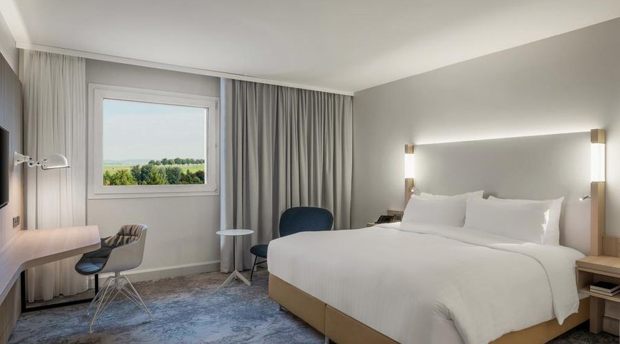 Courtyard by Marriott Paris Roissy Charles de Gaulle Airport-39 of 43 photos