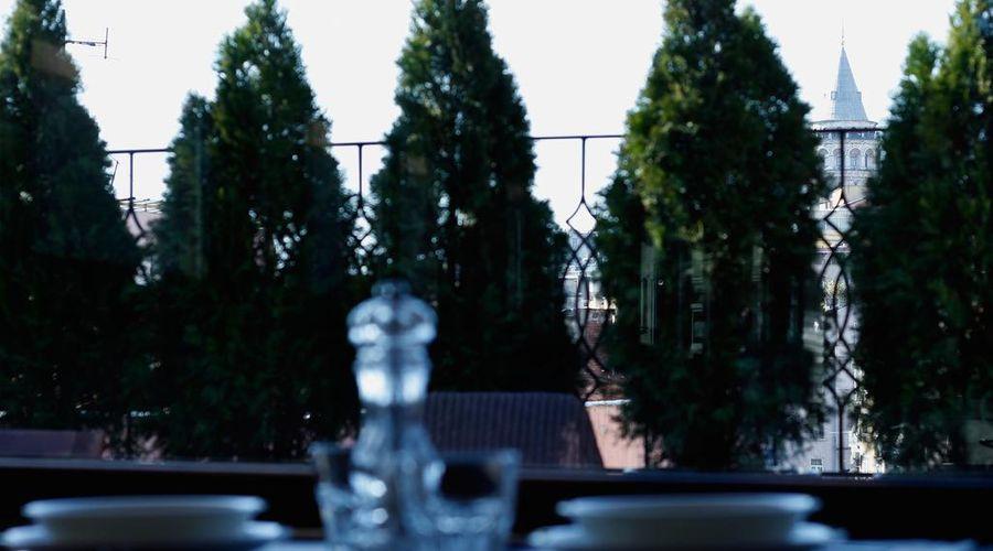 أجنحة توفاني-4 من 46 الصور