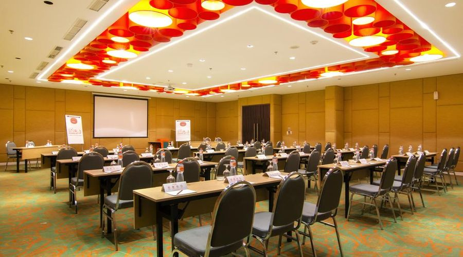 Harris Hotel and Conventions Denpasar Bali-3 of 45 photos
