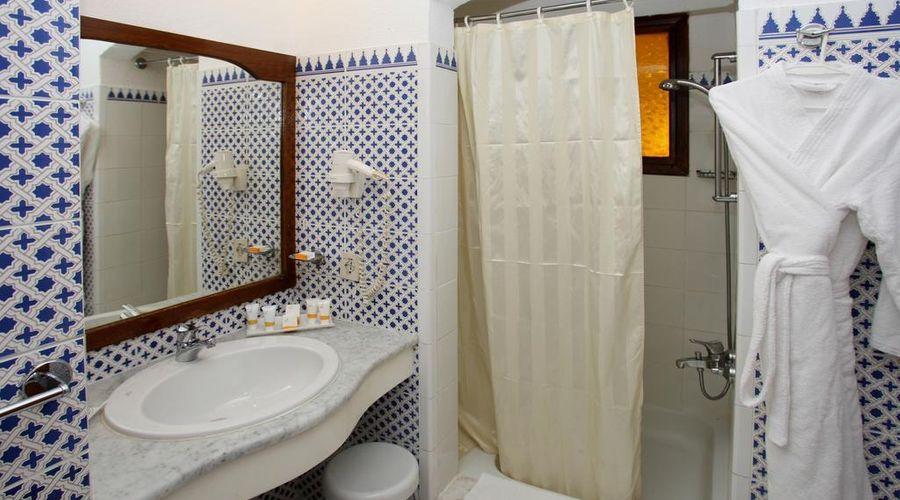 Domina Oasis Hotel & Resort-2 of 44 photos