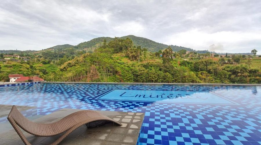 Le Eminence Hotel Convention & Resort Ciloto Puncak-27 of 42 photos