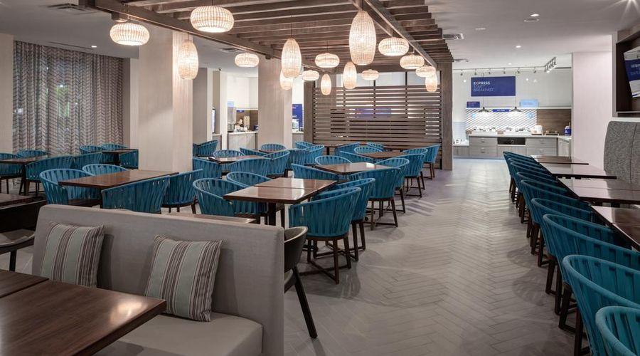 Holiday Inn Express & Suites Orlando at SeaWorld-34 of 46 photos