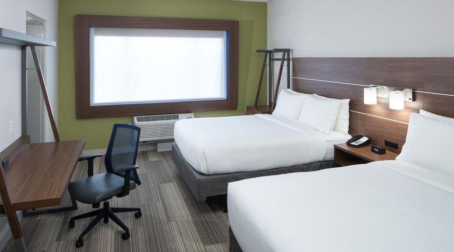Holiday Inn Express & Suites Orlando at SeaWorld-8 of 46 photos