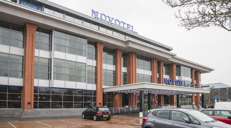 Novotel London Heathrow Airport T1 T2 and T3-1 of 42 photos